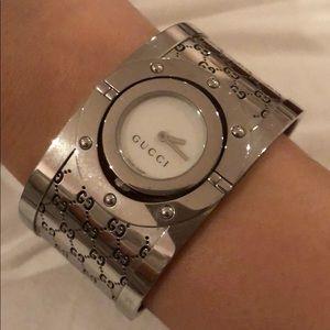 Authentic Gucci Bangle bracelet watch
